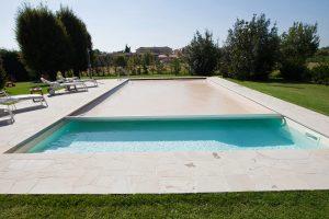 pulire piscina dopo inverno